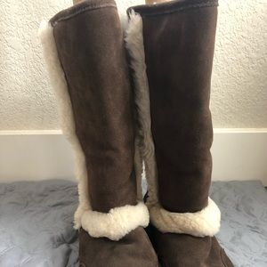 Brown bear claw snow boots